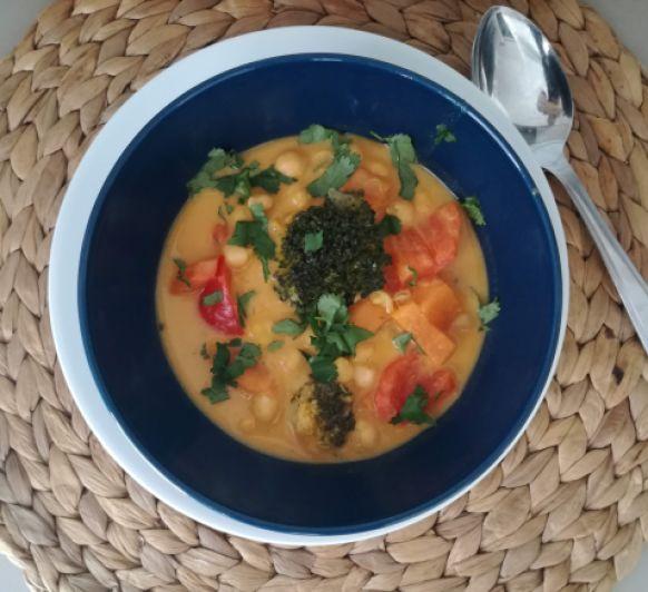 Recetas de cuchara: curry de garbanzos y verduras hecho en Thermomix®