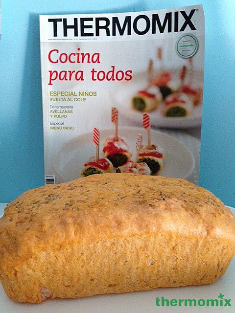 Pan de Molde con tomate y sésamo con Thermomix® . Revista Septiembre nº 83