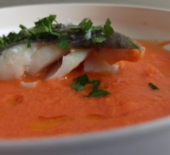 Bacalao con coulis de tomate fresco y albahaca hecho en Thermomix®